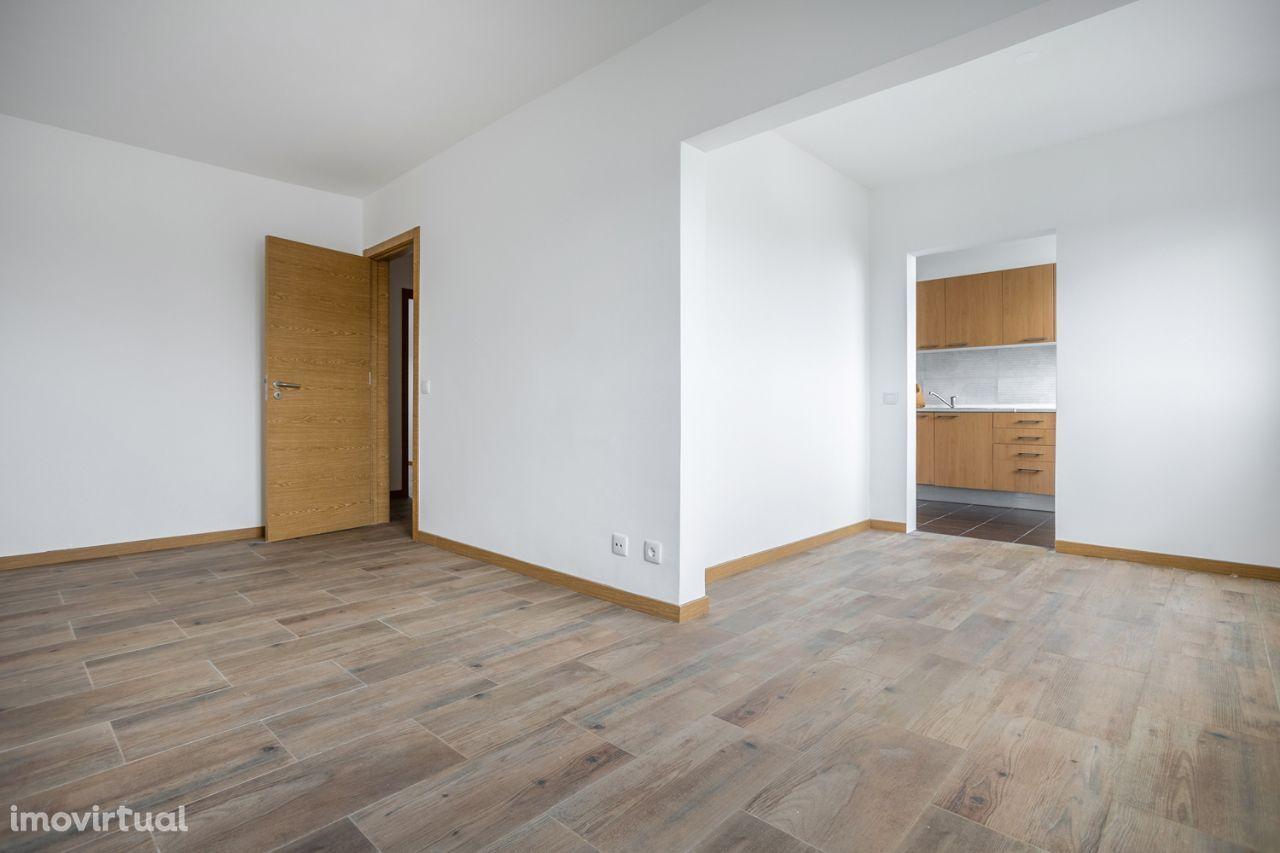 T3 totalmente remodelado com elevador e arrecadação – 92.000 €