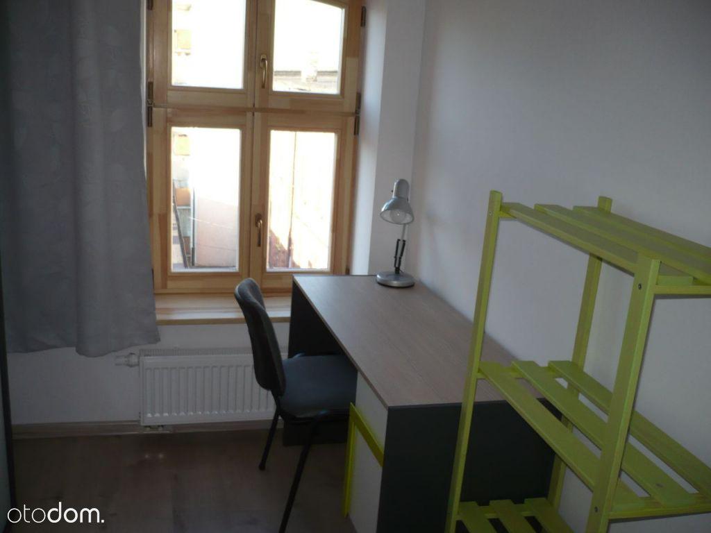 Jednoosobowe pokoje dla studentek