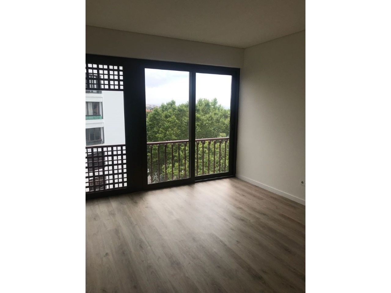Apartamento T1 Remodelado junto á av. do Lago - Monte Estoril
