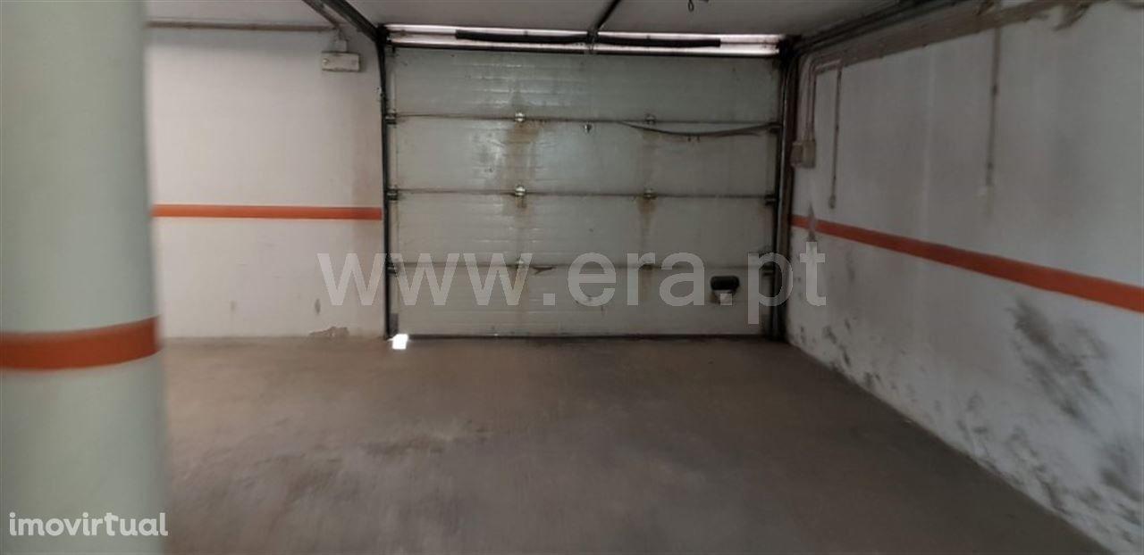 Lugar de garagem com 10 m2 em Fafe