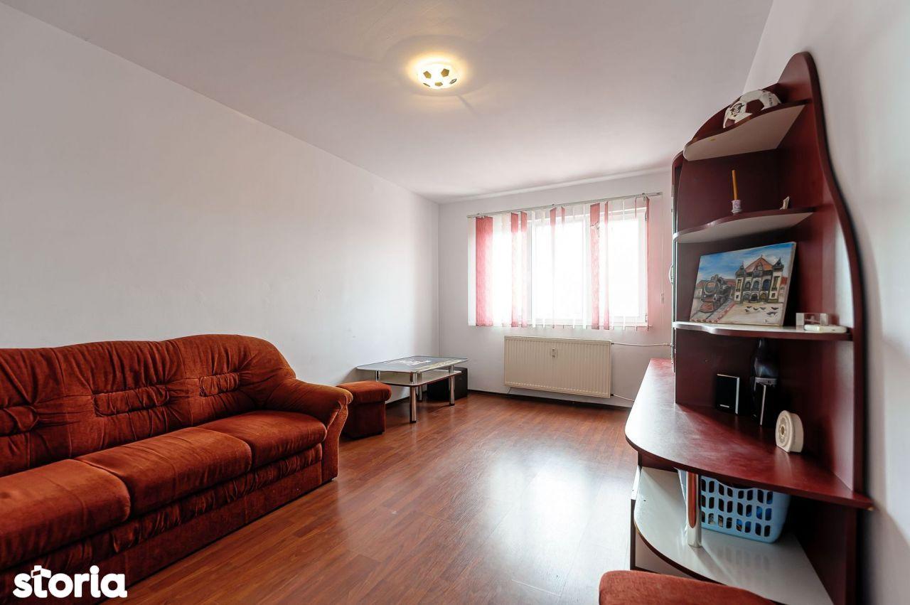 PREȚ REDUS! Apartament cu 3 camere în zona Vlaicu