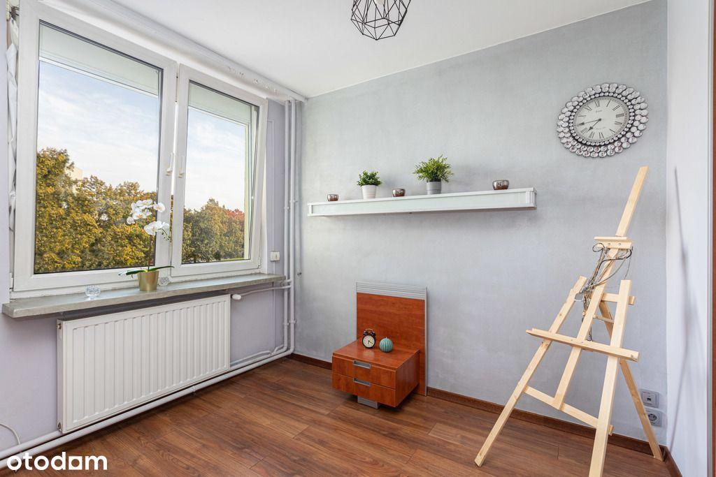 3 pokoje z oddzielną kuchnią, balkonem i garderobą
