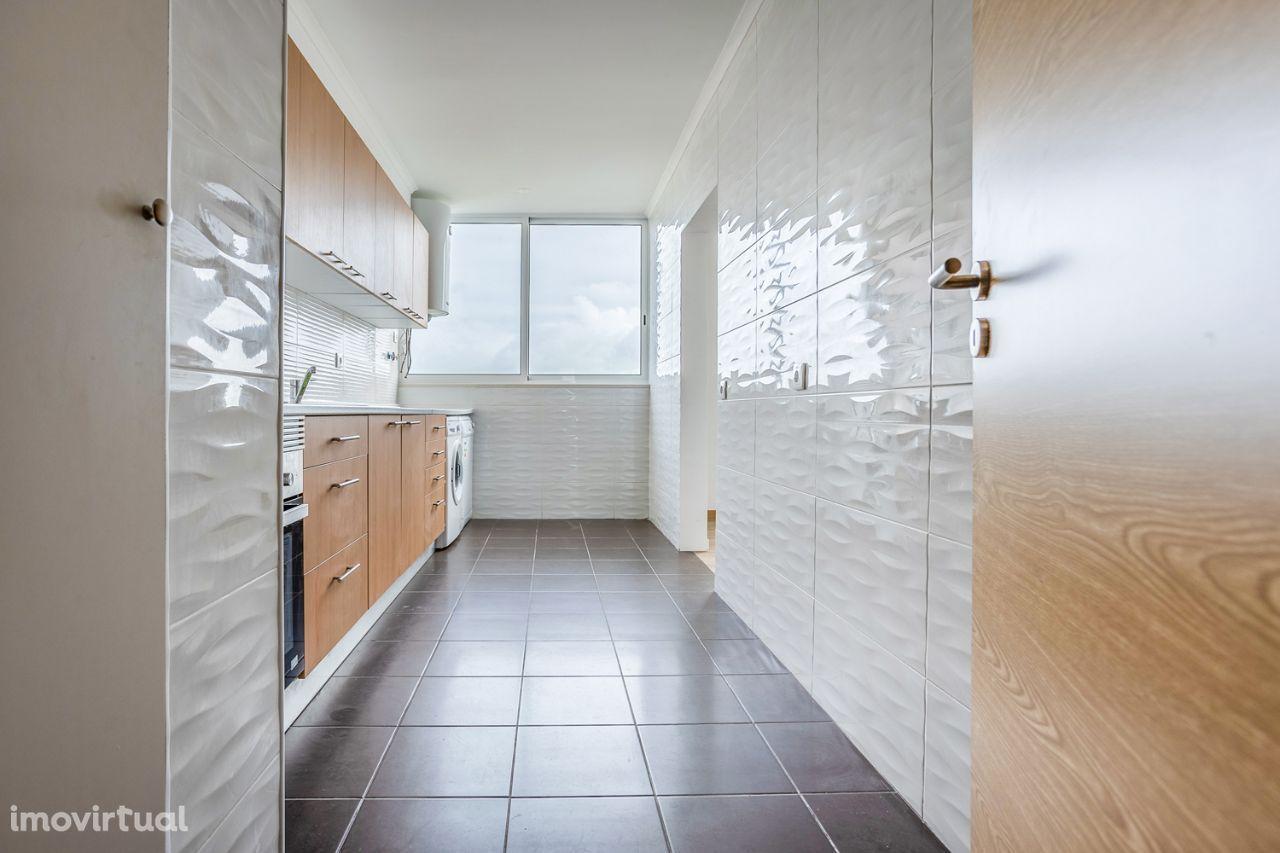 T3 Vale da Amoreira, totalmente renovado com elevador