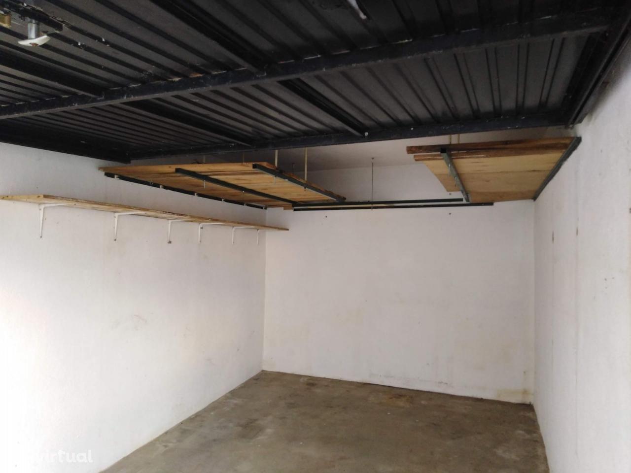 Garagem em Nossa Senhora de Fátima