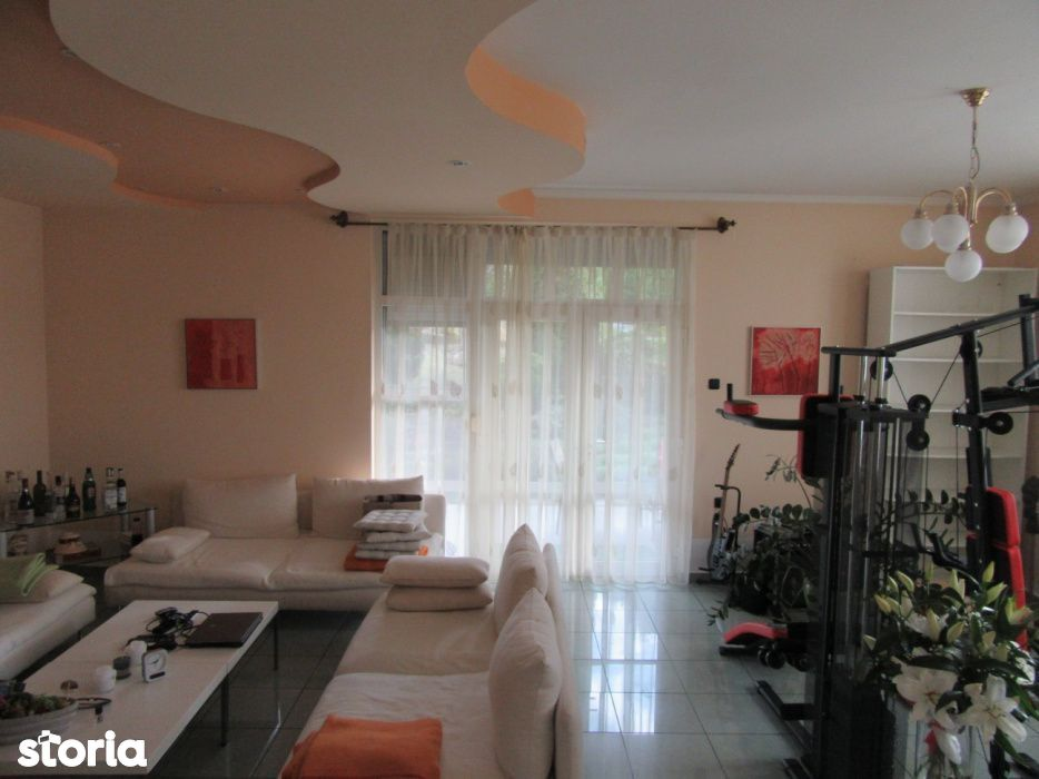 Vanzare casă cu 4 camere, zona Făget