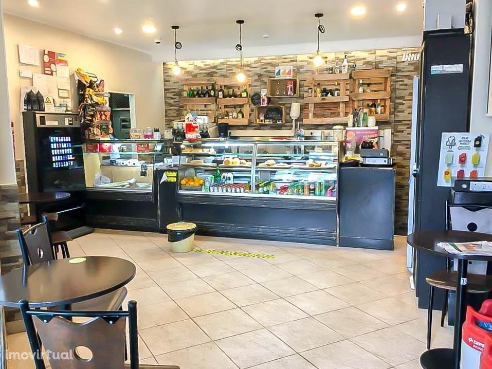 Snack Bar para trespasse em Santo António