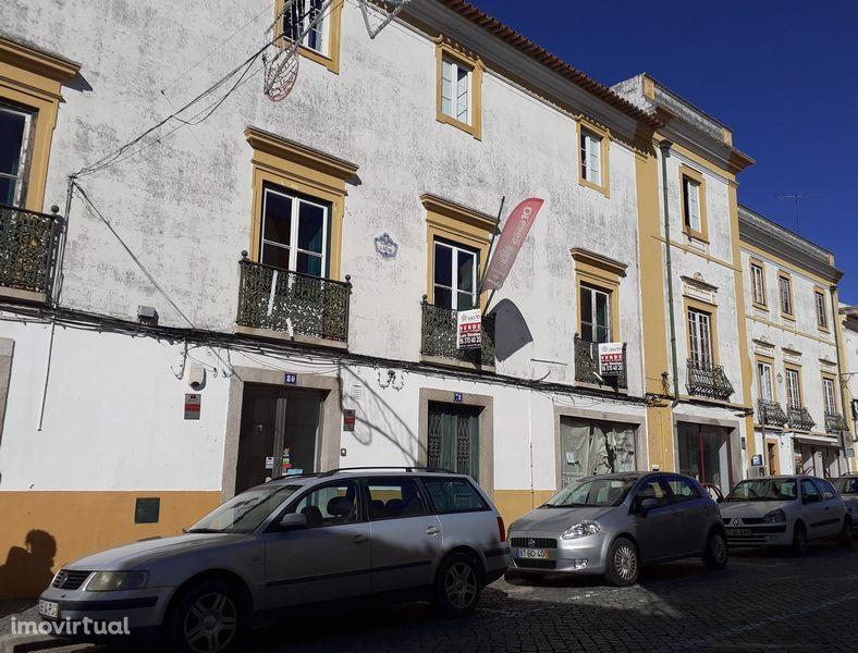 Escritório em Évora, União Das Freguesias De Évora (São Mamede, Sé, São Pedro E Santo Antão)