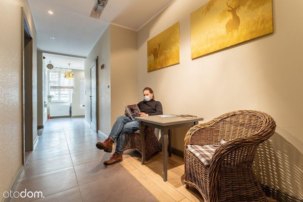 4 pokoje z łazienkami/gabinet masażu,terapeutyczny