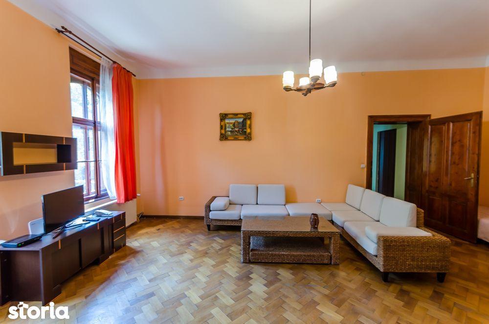 Apartament modern, 2 camere, 100 mp, parcare, zona centrala
