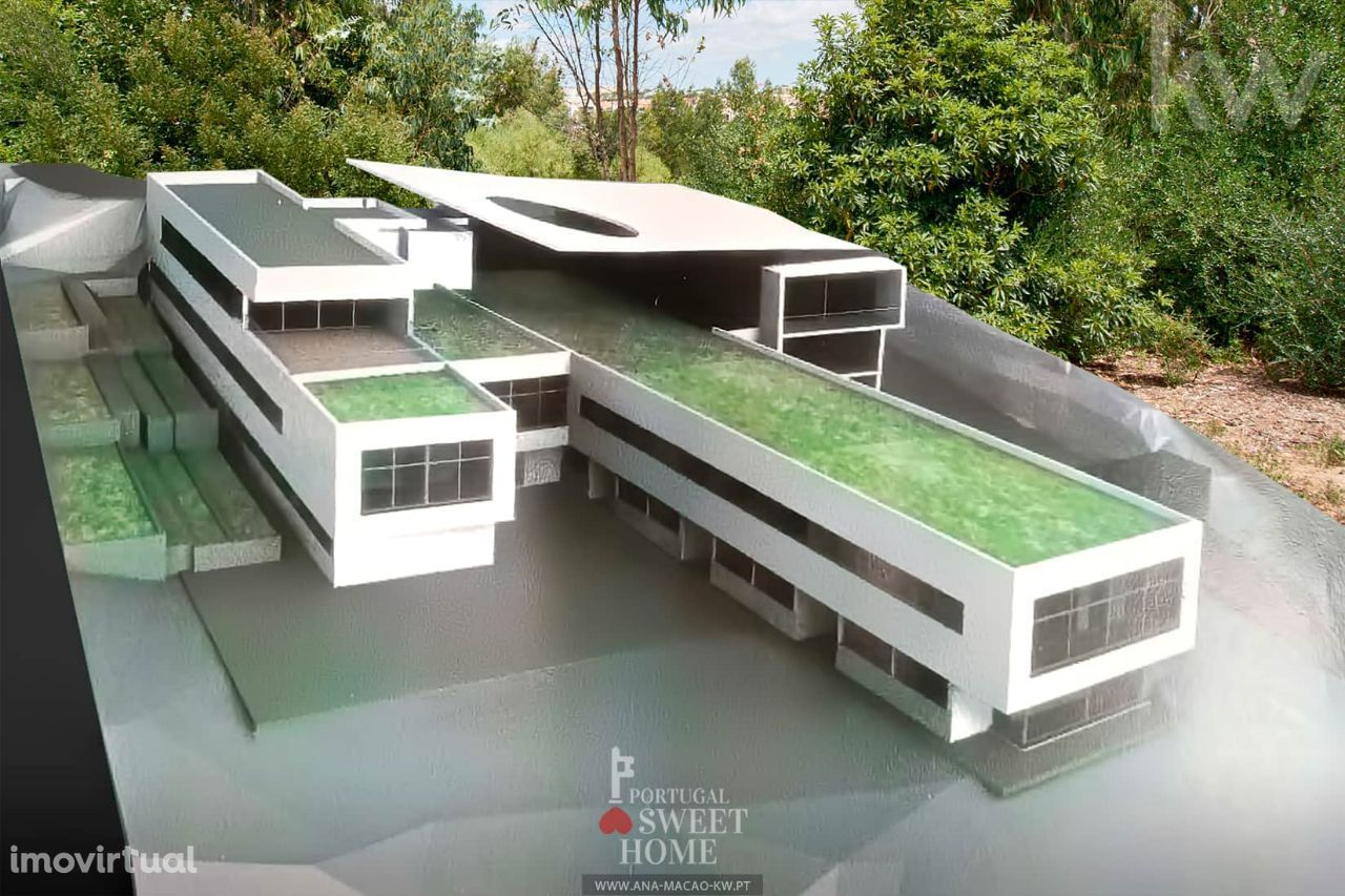 Oeiras, Barcarena, Lote de Terreno (9052 m2) c/Projeto para Clínica