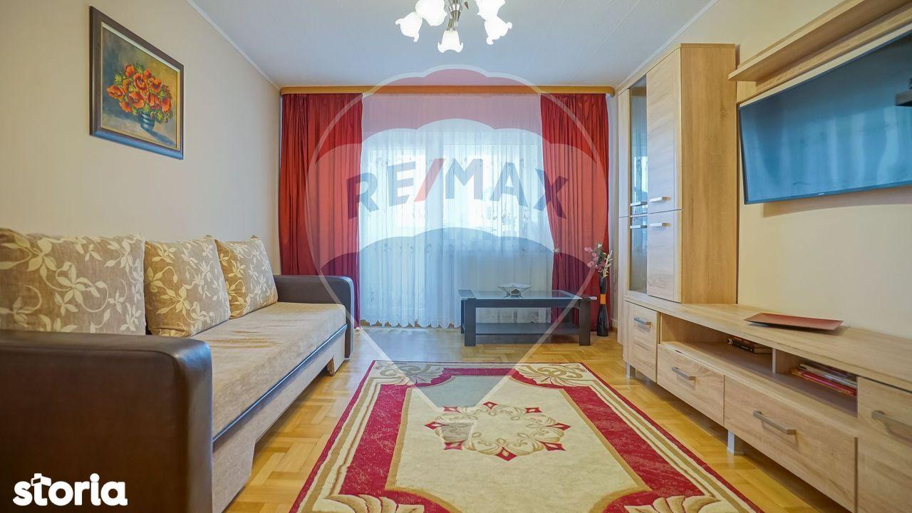 Apartament cu 3 camere de vânzare în zona Florilor comision 0%