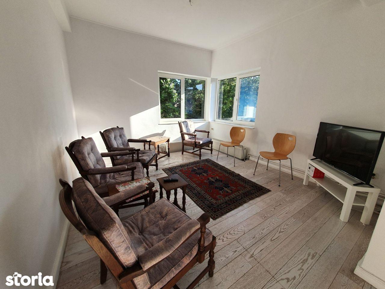 Dorobanti - Capitale, vanzare apartament 4 camere in vila