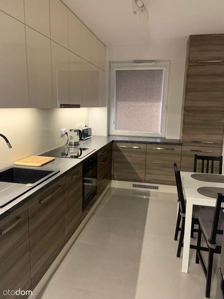 Atrakcyjne Mieszkanie, 2 pokoje, oddzielna kuchnia