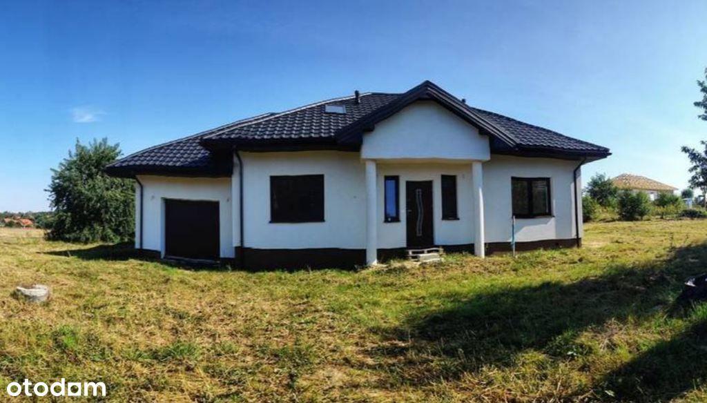 Piękny dom w stanie deweloperskim na dużej działce