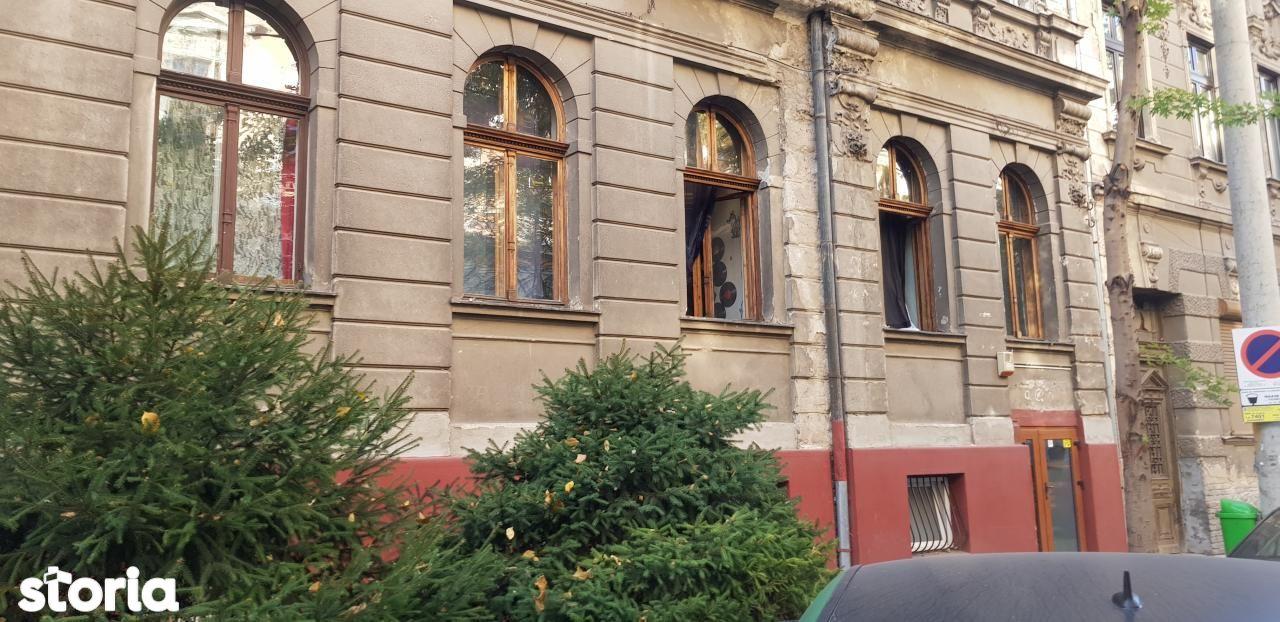 Apartament + garsoniera la casa de vanzare, parc 1 Decembrie, Oradea