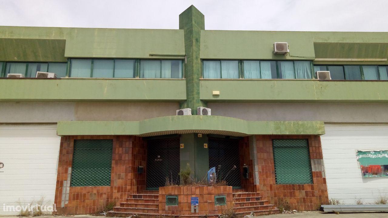 Armazém Venda Alverca | 1.375 m2 | Investimento Imobiliário