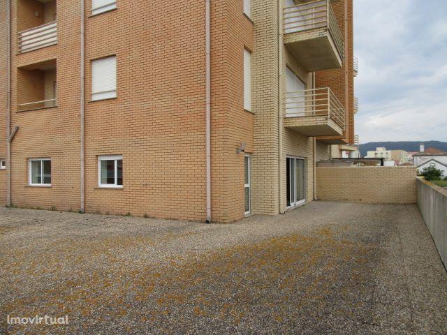 T3 com terraço ao nível e garagem fechada - V. P. de Âncora