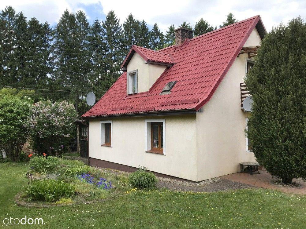 Dom z dużym ogrodem gotowy do wydania zamieszkania