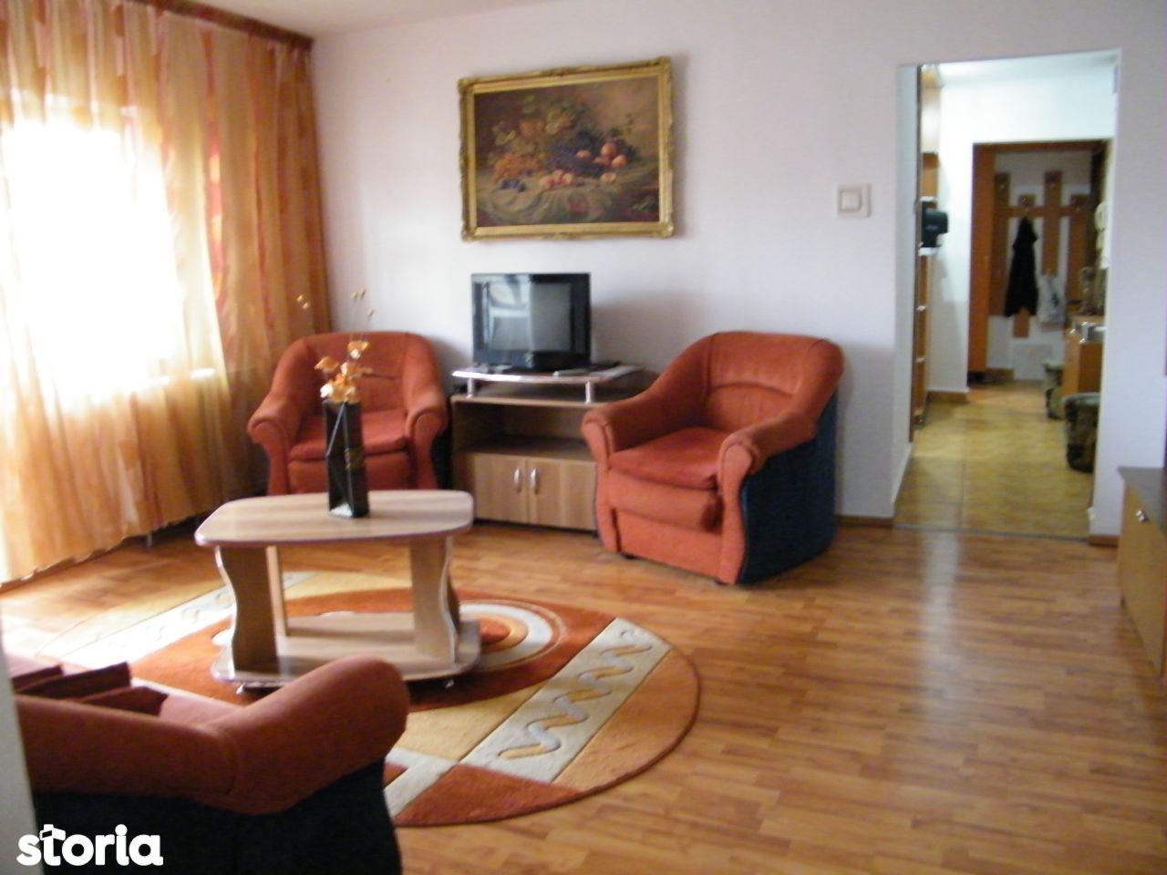 Apartament 3 semidecomandate Brazda lui Novac (Piata Baba Novac)