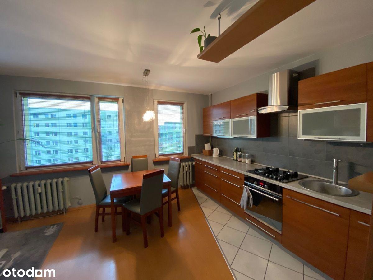 Wygodne dwupokojowe mieszkanie z balkonem