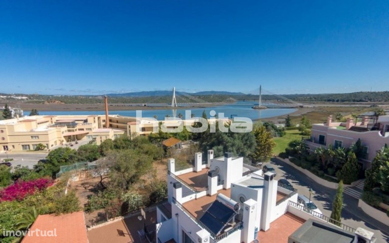 Moradia T3 Geminada Boca do Rio Resort