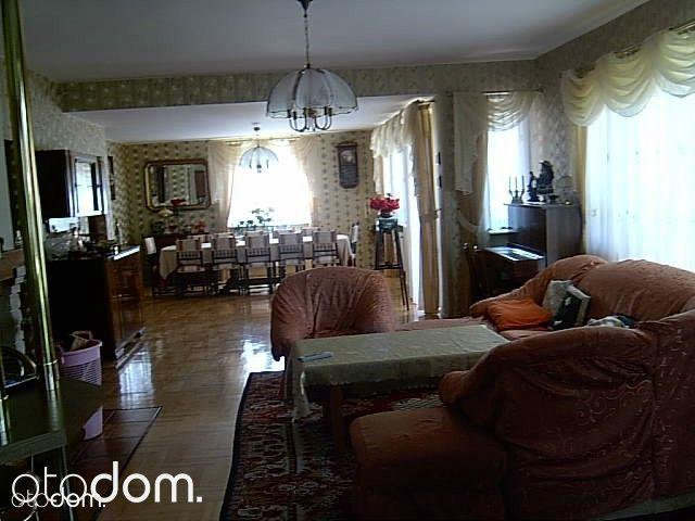 Dom, 331,90 m², Łapanów
