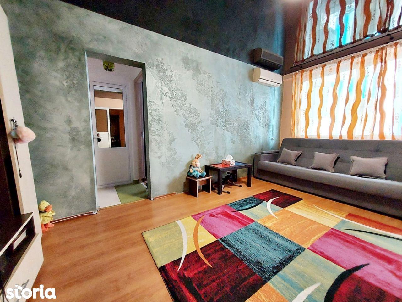 Apartament cu 2 camere, cartier Micro 16, etajul 3/4