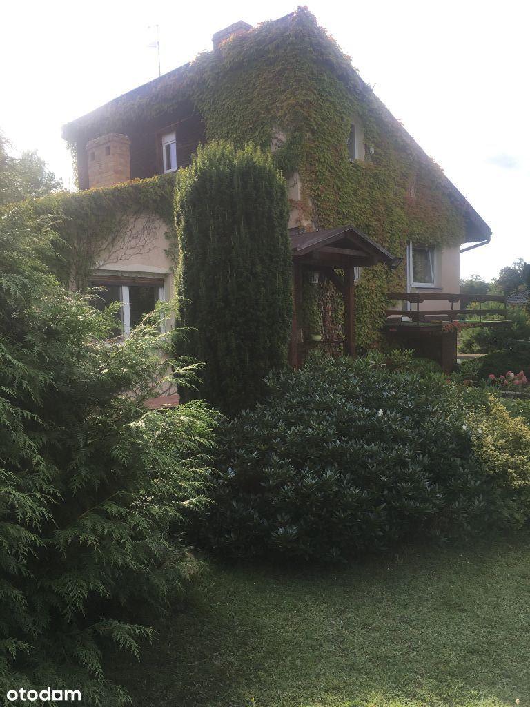Uroczy dom w pięknej okolicy