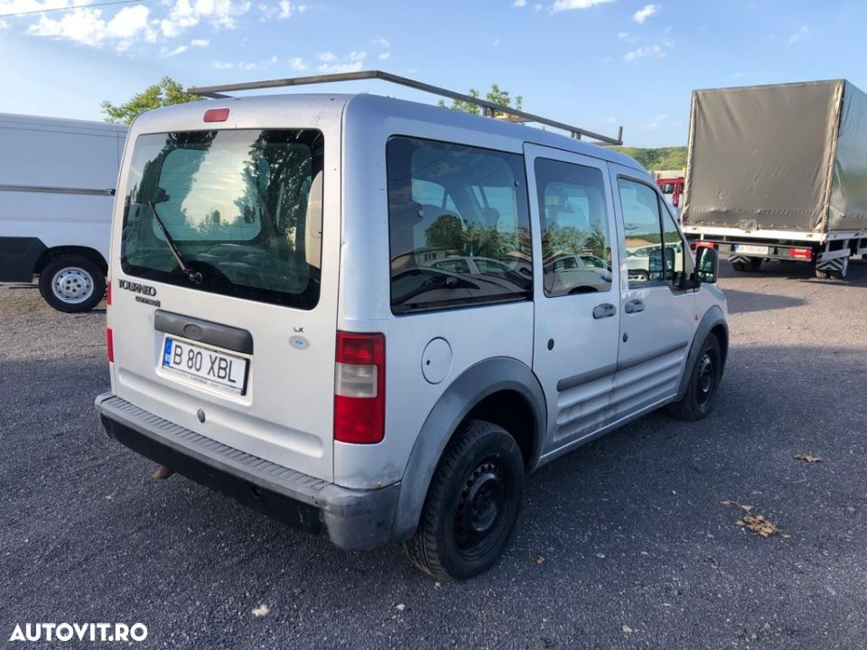 Ford Courier - 12