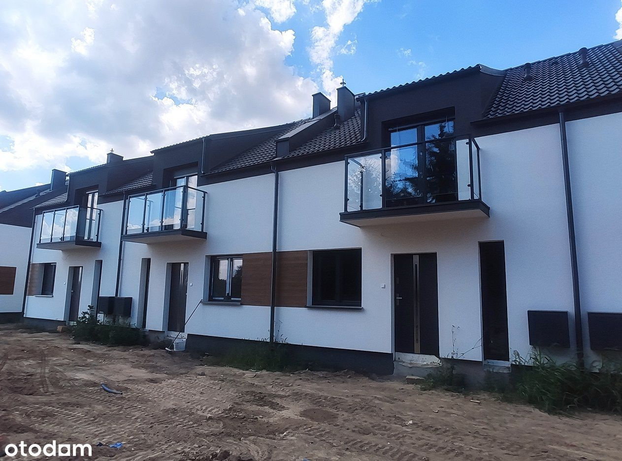 Baranowo - Chyby domy w pobliży jeziora Kierskiego
