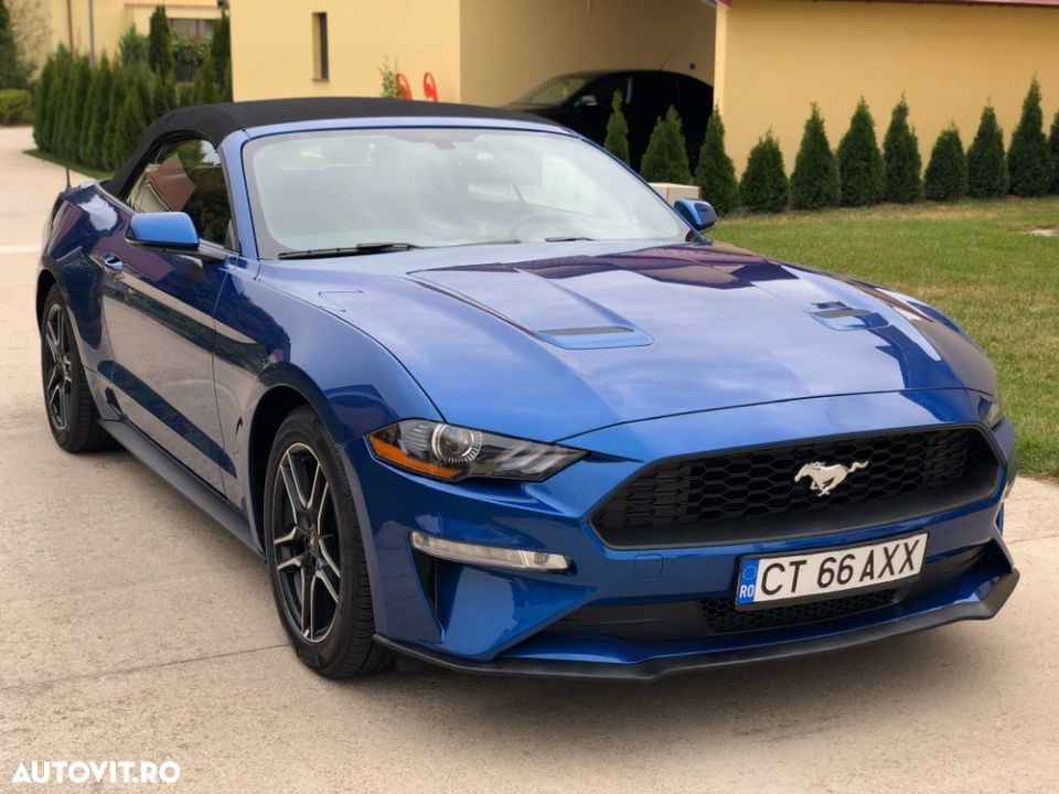 Ford Mustang - 1