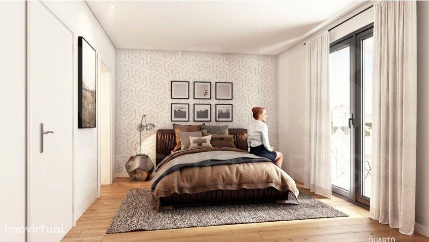 Apartamento T3 Duplex com Terraço, Jardim e Piscina em Paço De Arcos-Oeiras
