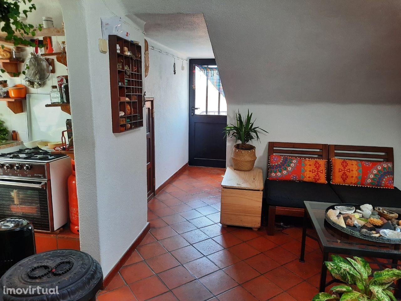 Apartamento T2 - Águas Furtadas - ALMADA - PORTUGAL