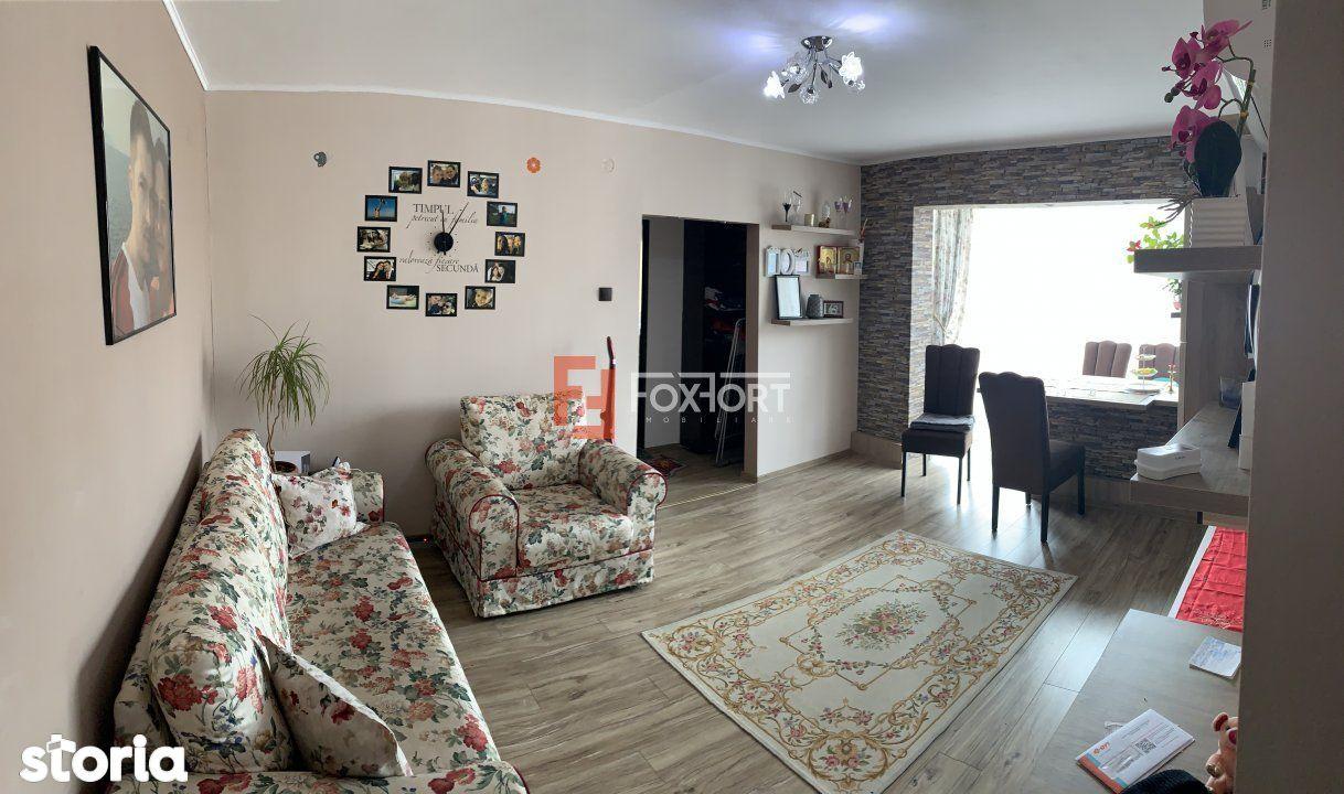 Apartament cu 3 camera de vanzare, in zona Girocului
