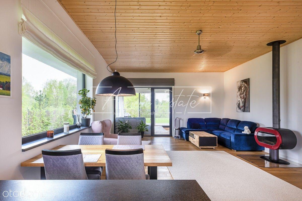Piękny Smart Home z Pełnym Wyposażeniem