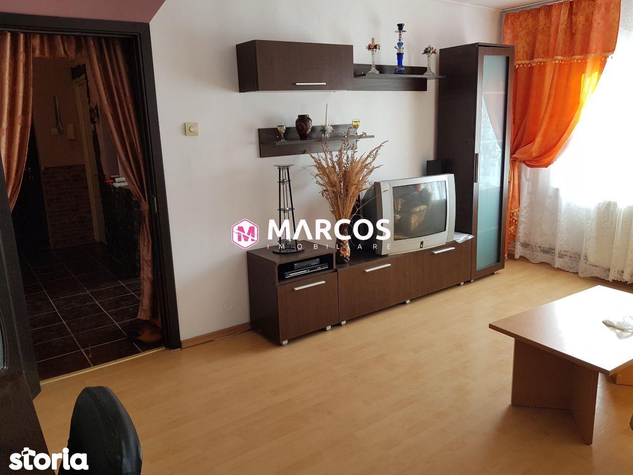 Apartament 3 camere semidecomandat, et.8, Micro 3, ID 726