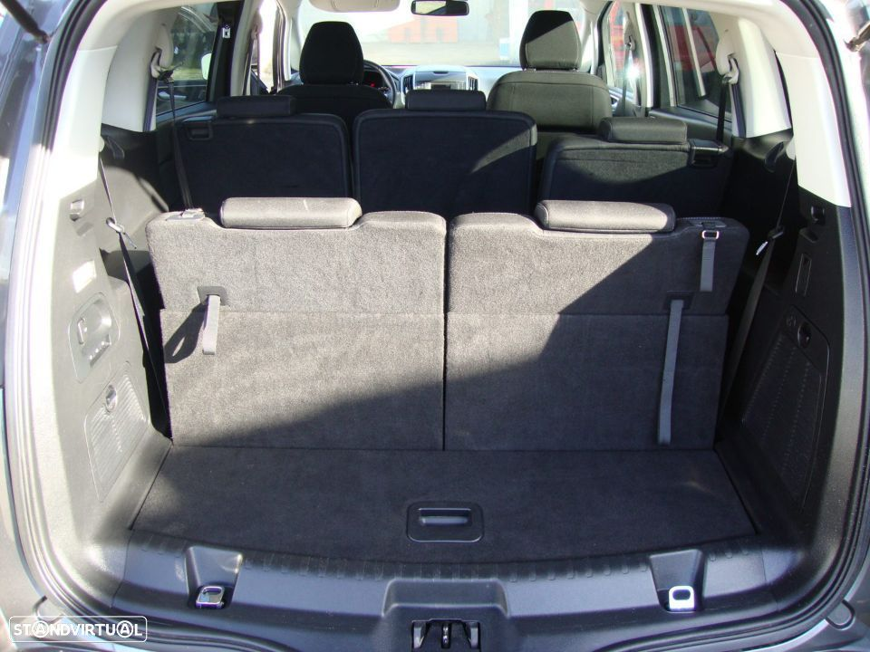 Ford S-Max 2.0 TDCi Trend - 36