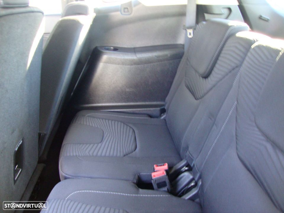 Ford S-Max 2.0 TDCi Trend - 34