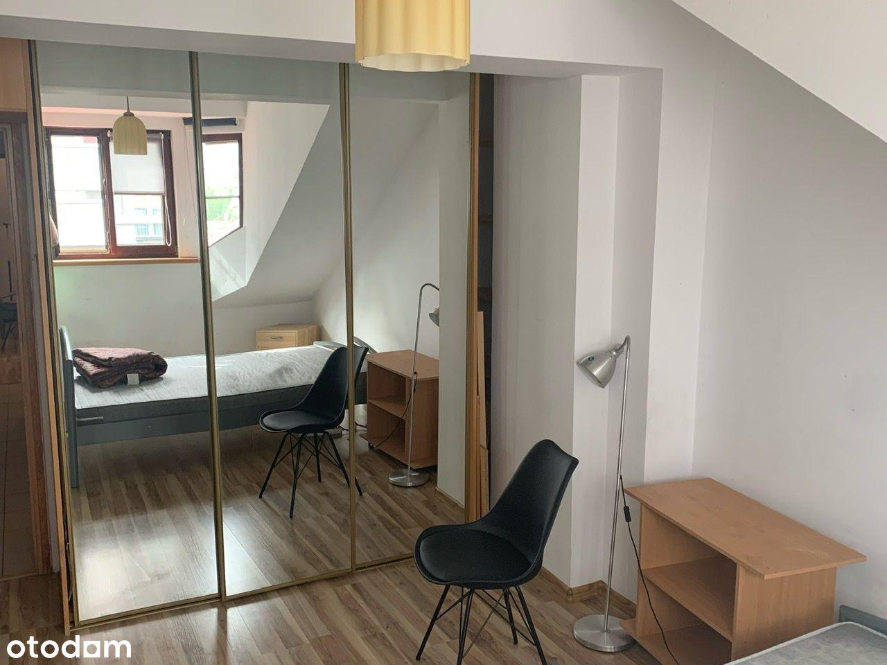 Mirów 94m2 4-pokojowe mieszkanie ostatnie piętro