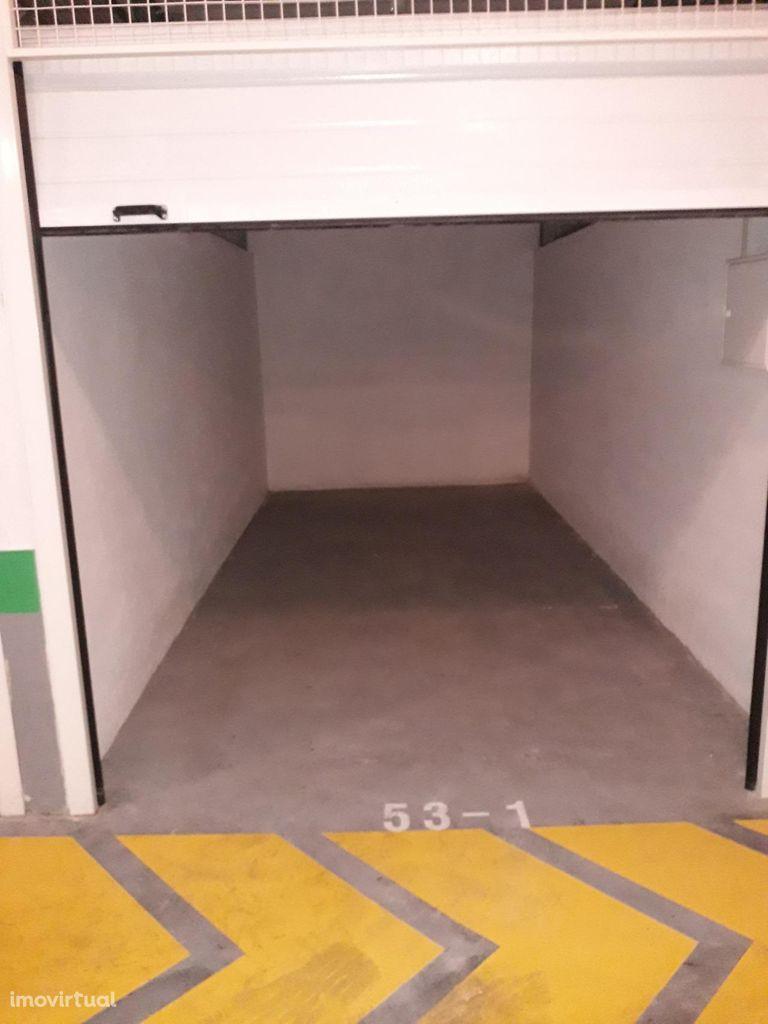 Box 1 lugar para aluguer