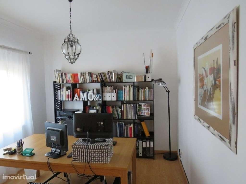 Apartamento para comprar, Avenida Julio Cristovão Mealha - Urbanização Vale das Rãs, São Clemente - Foto 2