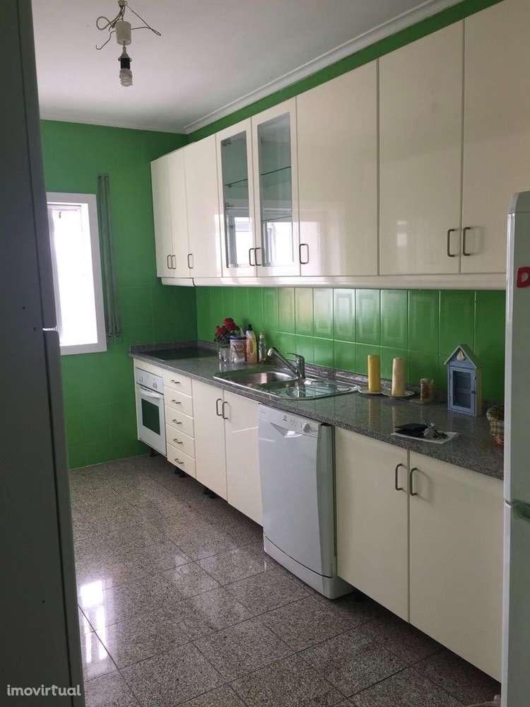Apartamento para arrendar, Rua Professor Egas Moniz - Oliveira do Douro, Oliveira do Douro - Foto 1