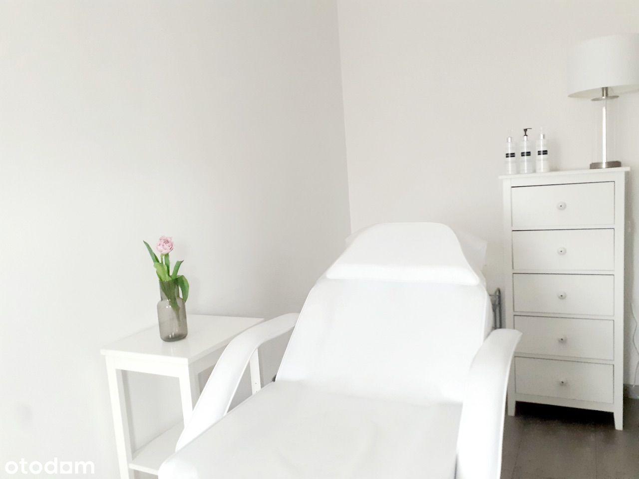 Wynajmę gabinet w klinice kosmetologii.