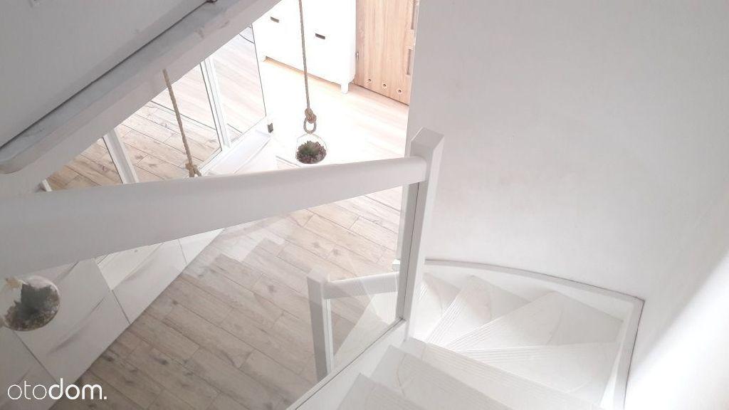 3 pokoje, 2 poziomy, balkon, taras, garderoba, hal