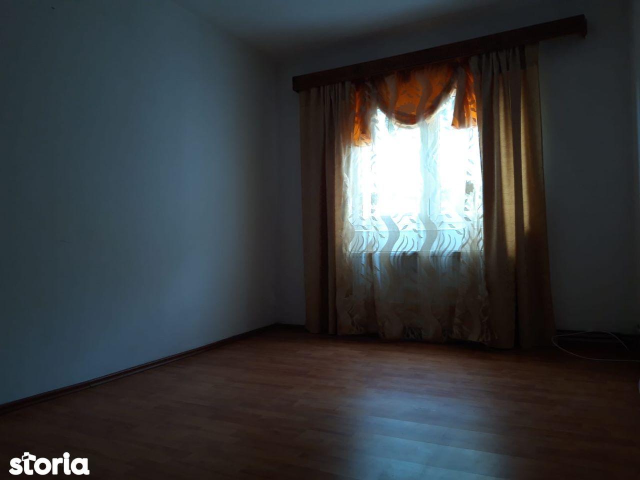Apartament 2 camere Rasnov-Central-cod 5469