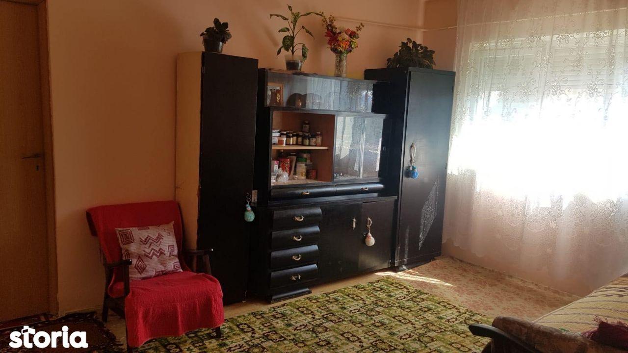 Apartament 2 camere de vanzare, tip X mare, zona Nufarul