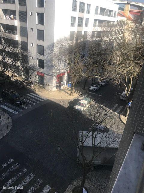 Apartamento T5, espaçoso, varandas - Quartos Estudantes