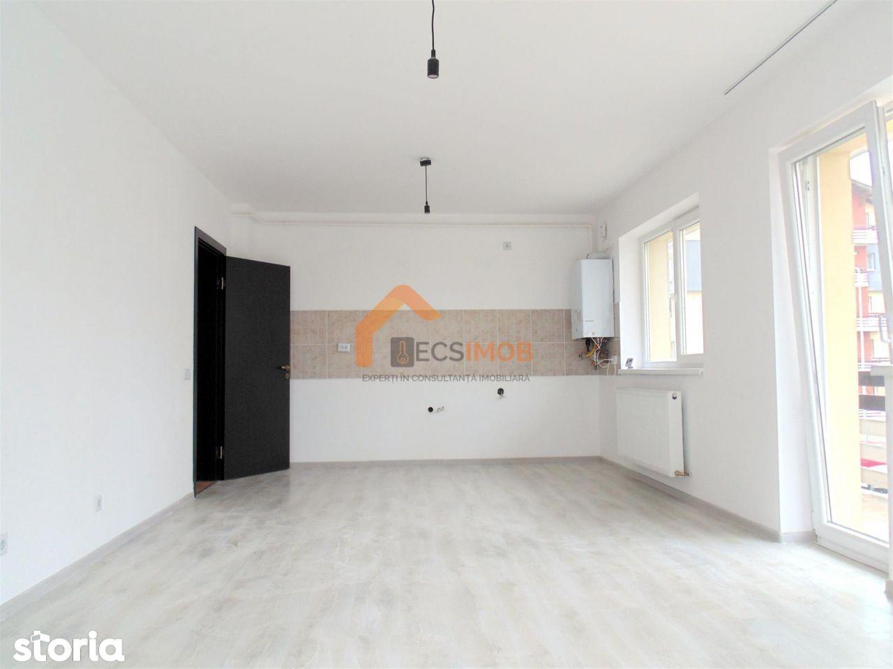Apartament 3 camere, decomandat, et. 1