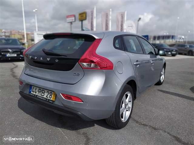 Volvo V40 2.0 D2 Kinetic Geartronic - 5