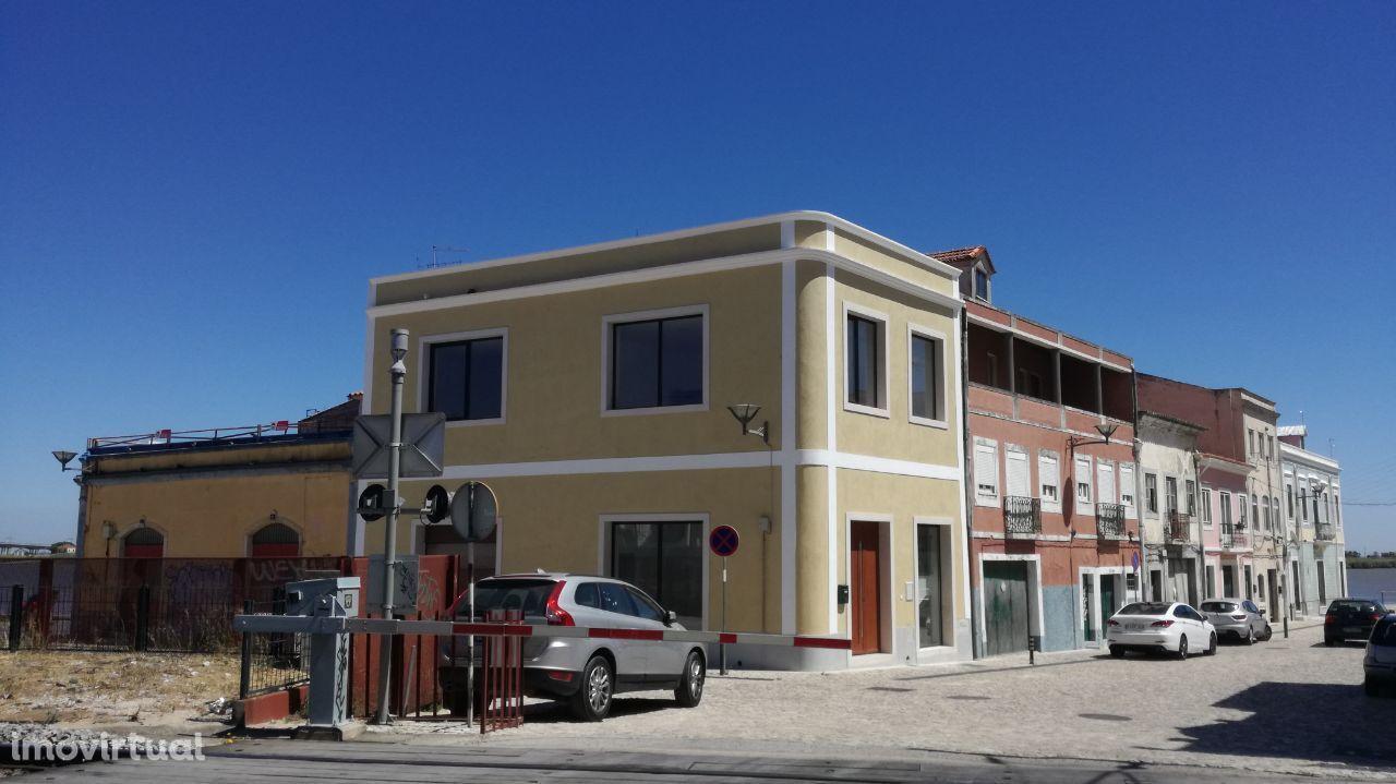 Prédio comercial - Vila Franca de Xira
